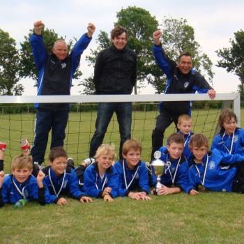 E1 zet kroon op het seizoen(kampioen van Goeree-Overflakkee 28-05-2011)