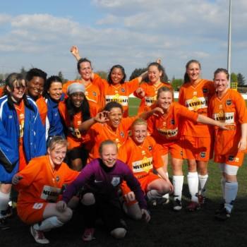 De dames 1 worden eerste in het internationale Beaujolais Trophy toernooi.